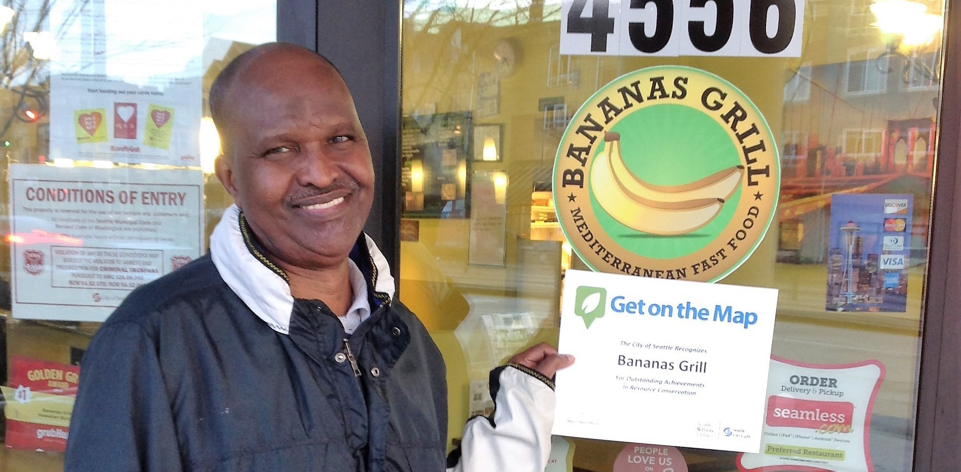 Warmth of Family and Great Food Served Up at Bananas Grill